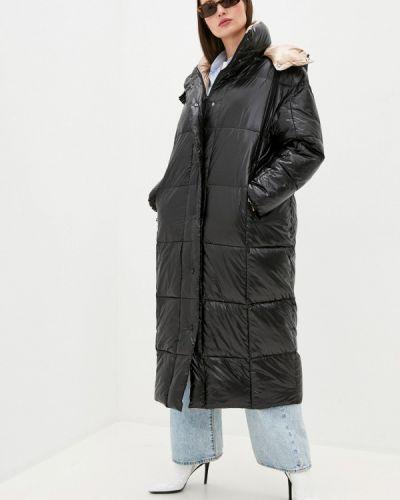 Теплая черная куртка Rinascimento