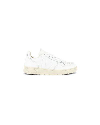 Кожаные белые кожаные кроссовки на шнуровке Veja