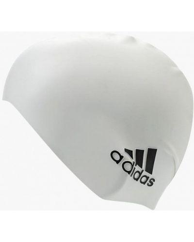 Белая шапка Adidas