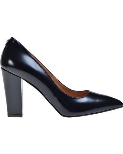 Кожаные туфли на каблуке осенние Twin-set