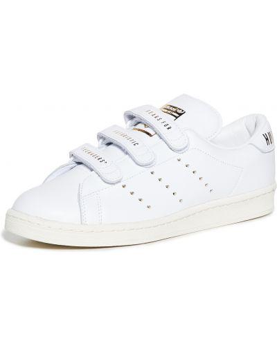 Кожаные белые кроссовки на липучках Adidas