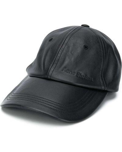 Czarna czapka skórzana klamry Acne Studios