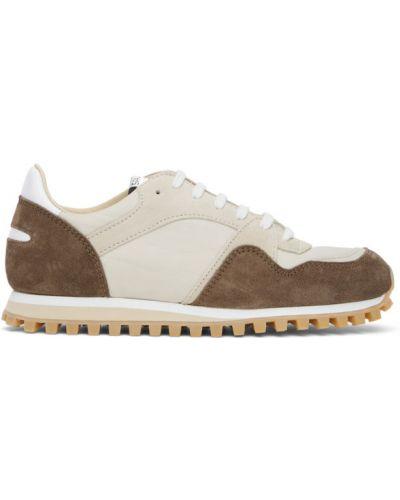 Нейлоновые коричневые кроссовки на шнуровке с заплатками Spalwart