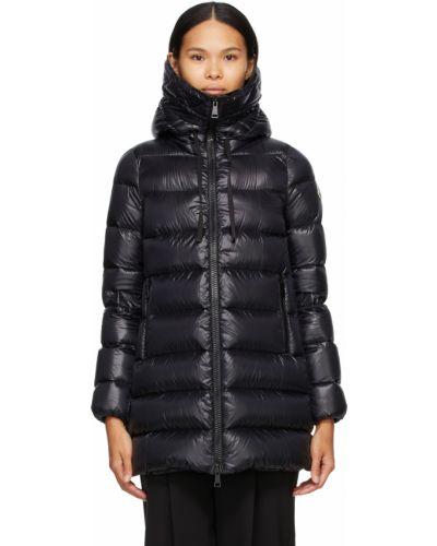 Satynowy czarny długi płaszcz z kapturem Moncler