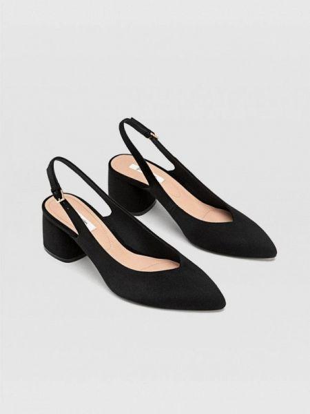 Черные туфли с открытой пяткой Stradivarius
