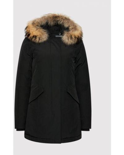 Czarna kurtka Woolrich