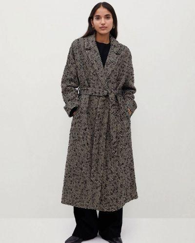 Серое пальто Mango