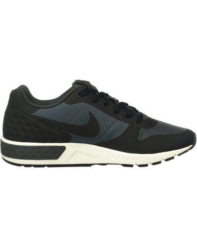 Кроссовки на шнуровке мягкие Nike