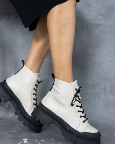 Кожаные ботинки - бежевые Olli