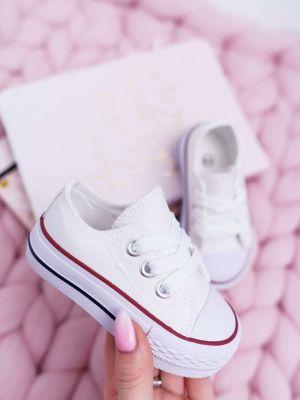 Klasyczne białe sneakersy materiałowe Kesi