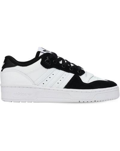 Ażurowy skórzany biały skórzane sneakersy na sznurowadłach Adidas Originals