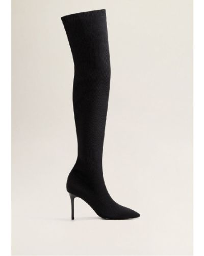 Кожаные сапоги черные на каблуке Mango