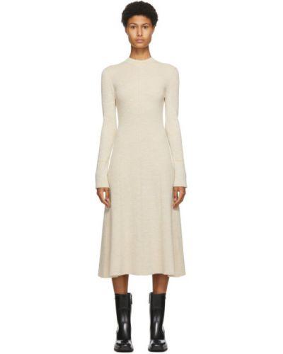 Желтое расклешенное платье макси с длинными рукавами с воротником Victoria Beckham