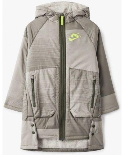 Утепленная бежевая куртка Nike