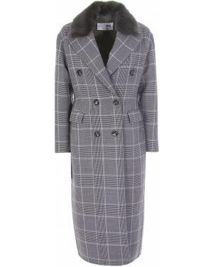Приталенное шерстяное пальто классическое с воротником на пуговицах Manzoni 24