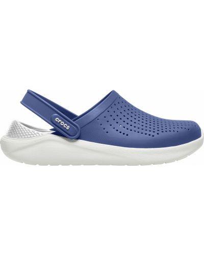 С ремешком синие пляжные сабо Crocs