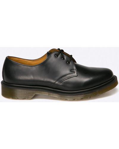 Черные туфли Dr. Martens