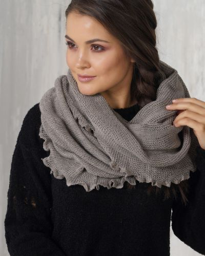 Бежевый шарф Vay