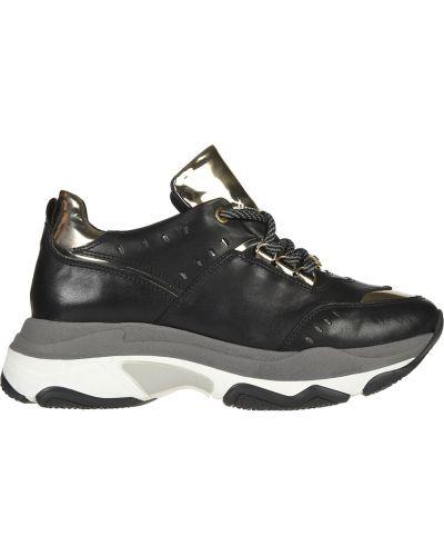 Кроссовки на платформе черные Roberto Serpentini