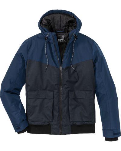 Зимняя куртка с капюшоном зеленая Bonprix