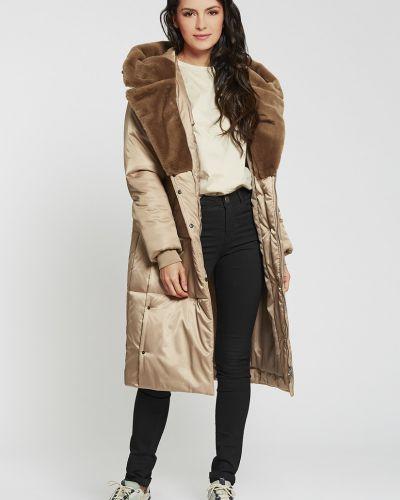 Пальто с капюшоном D`imma Fashion Studio