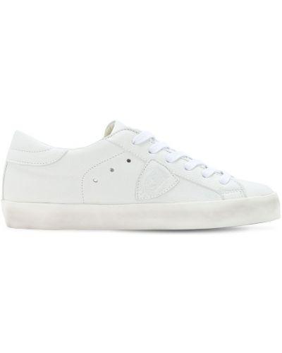 Ażurowy biały sneakersy z łatami na sznurowadłach Philippe Model