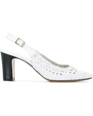 Туфли на каблуке с открытой пяткой белый Carel