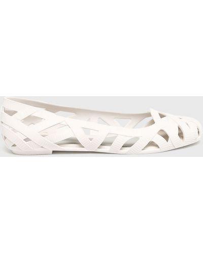 Белые балетки Melissa
