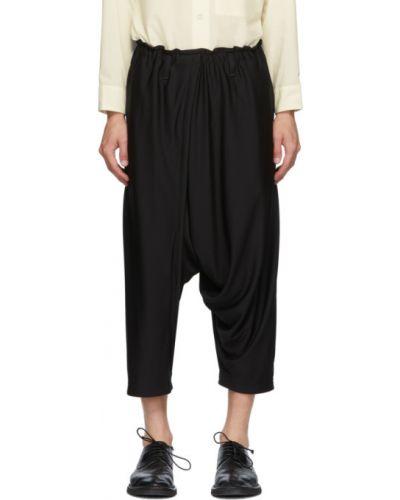 Брючные черные брюки свободного кроя с поясом 132 5. Issey Miyake