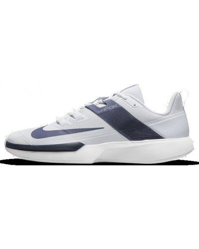 Теннисные серые кроссовки сетчатые Nike