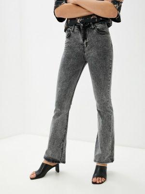 Серые джинсы Dali