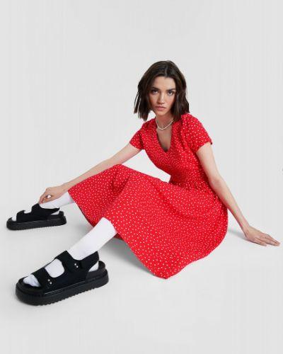 Красное платье миди в горошек с поясом Ostin