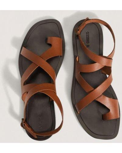 Коричневые кожаные сандалии Oysho