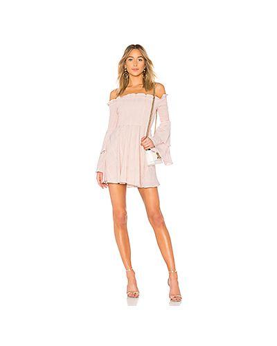 Облегающее платье с открытыми плечами с оборками Lpa
