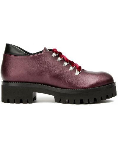 Кожаные красные туфли закрытые Pollini