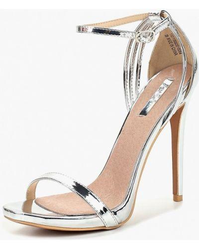 Босоножки на каблуке серебряного цвета Lost Ink.
