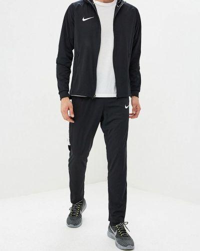 Черный спортивный костюм Nike