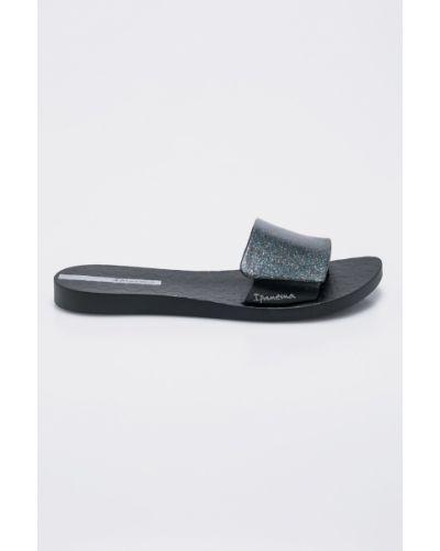 Черные сандалии Ipanema