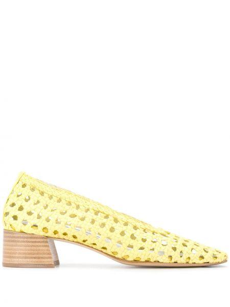 Массивные желтые туфли-лодочки с квадратным носком квадратные Miista