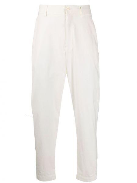 Białe spodnie bawełniane z paskiem Damir Doma