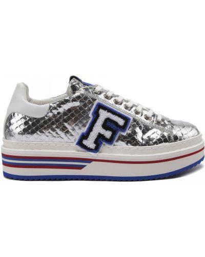 Серебряные кожаные кроссовки на шнуровке Fabi