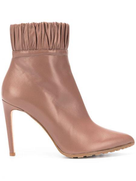 Кожаные коричневые сапоги на молнии со складками Chloe Gosselin