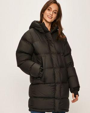 Прямая черная стеганая куртка The North Face