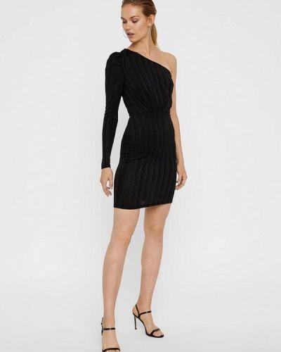 Платье с открытыми плечами осеннее Vero Moda