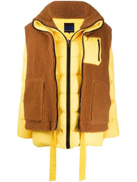 Коричневая стеганая куртка на молнии Sjyp