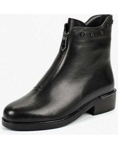 Кожаные ботинки осенние на каблуке Baden