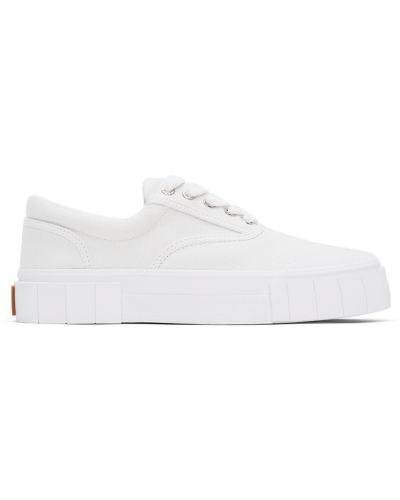 Белые кроссовки на каблуке Good News