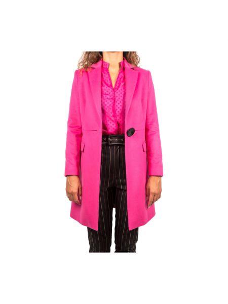 Różowy płaszcz Hanita