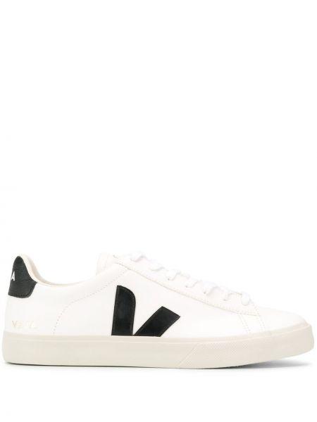 Кроссовки на каблуке на шнуровке Veja