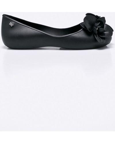 Черные балетки Zaxy